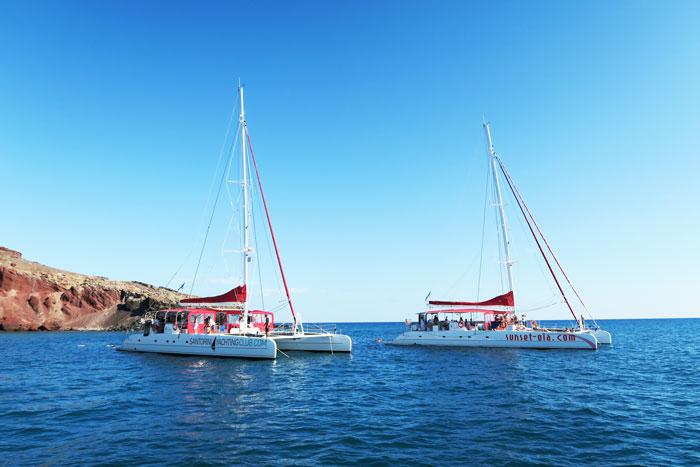 21.-sailing-santorini
