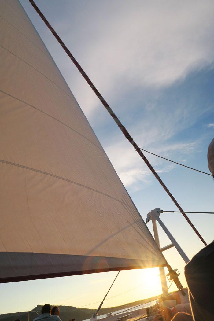 23.-sailing-santorini