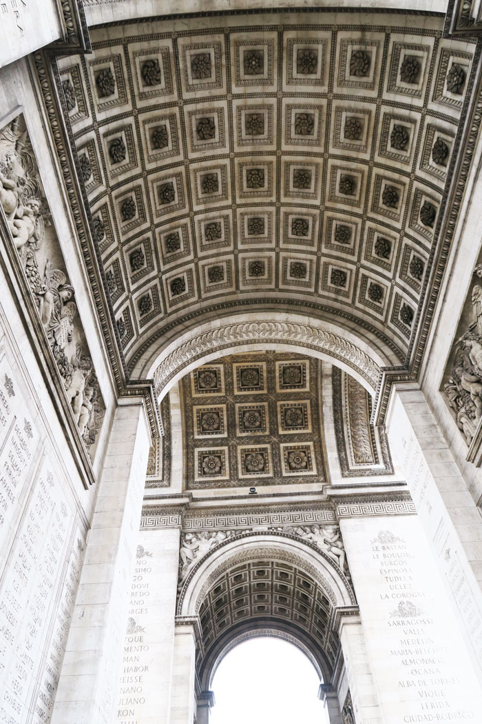 Arc-de-Triomphe-underneath