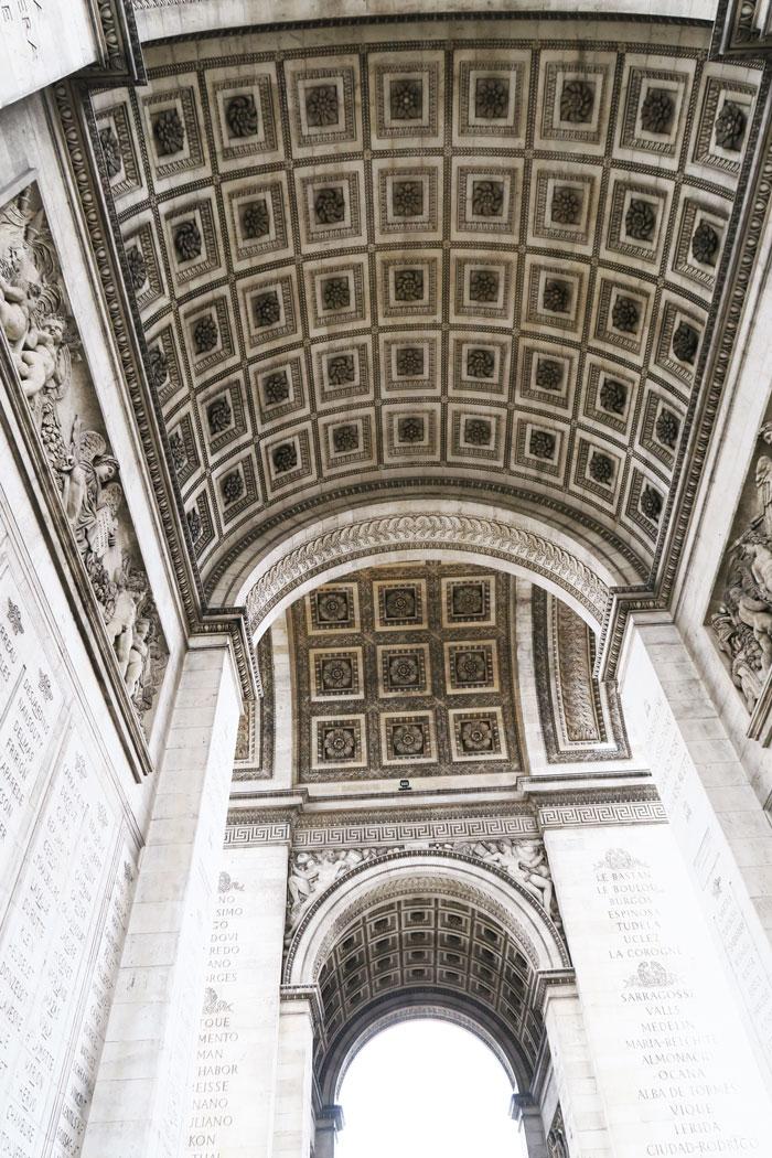 Arc-de-Triomphe-underneath