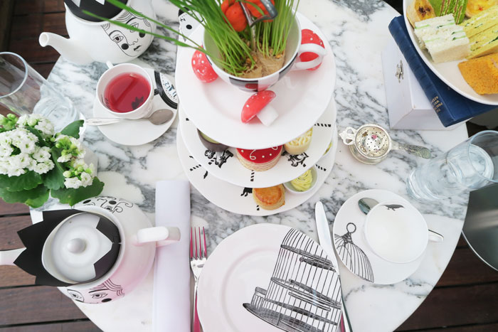 Mad-Hatters-Afternoon-Tea